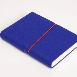 Kalender FILZDUETT Filz blau/Gummi rot | 12 x 16,5 cm,  1 Woche/Doppelseite