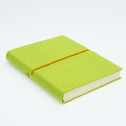 Notizbuch FILZDUETT Filz hellgrün/Gummi orange | 12 x 16,5 cm, 144 Blatt liniert